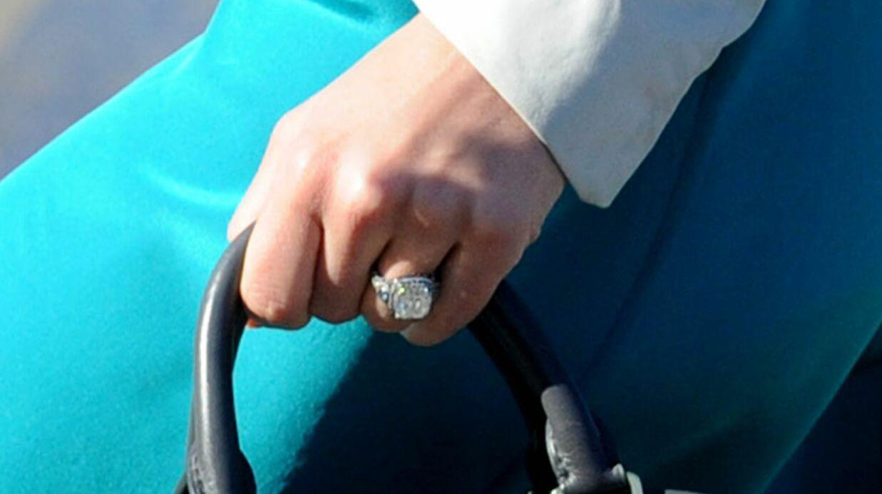 PHOTO La très grosse bague de fiançailles de Jessica Biel