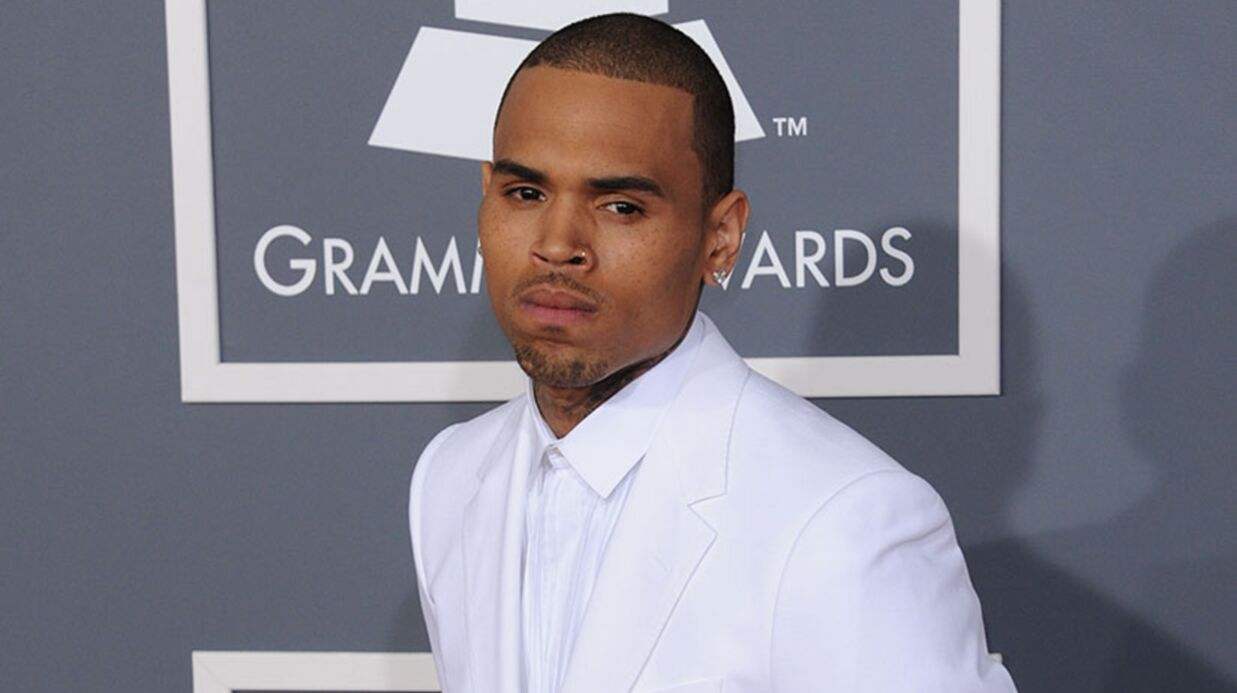 Chris Brown donne un concert surprise en boîte (et insulte Drake)