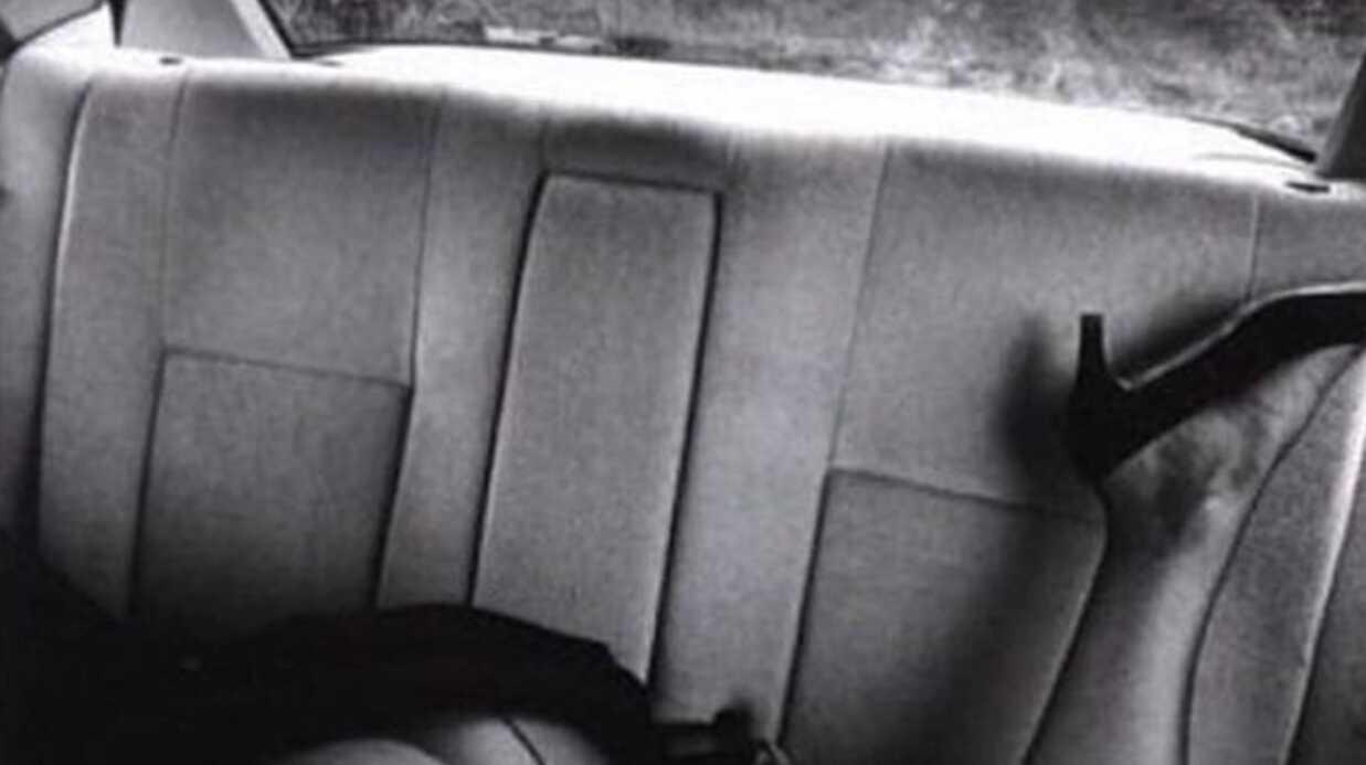 PHOTO Kendall Jenner fesses nues sur la banquette arrière d'une voiture