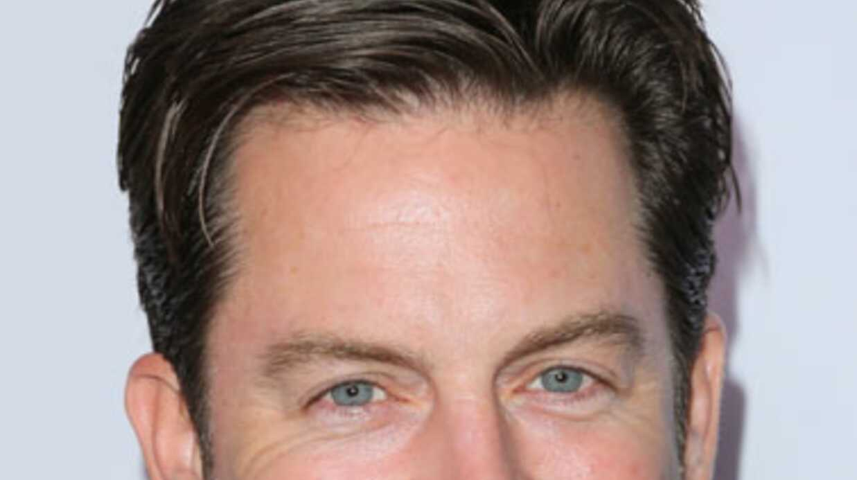 Les Feux de l'amour: Eric Braeden (Victor Newman) détruit Michael Muhney, son ex-partenaire