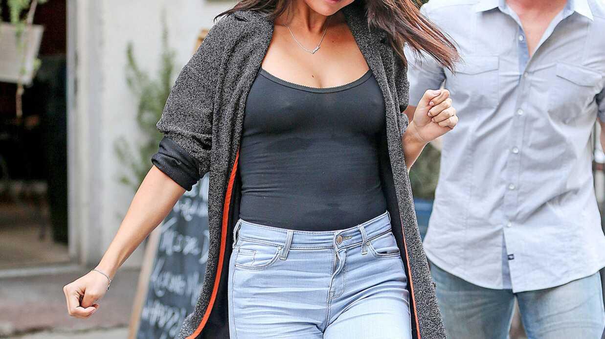 PHOTOS Selena Gomez dévoile sa poitrine dans un haut transparent