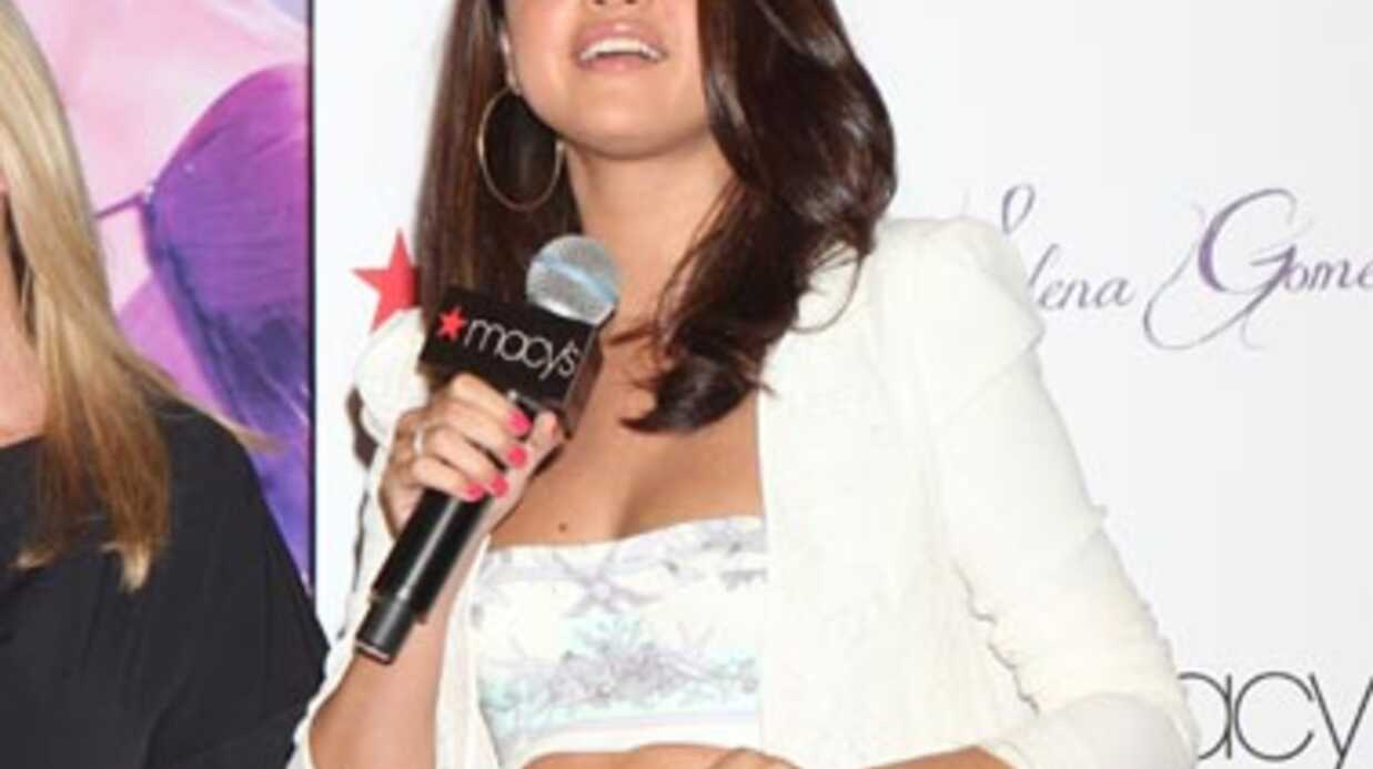 PHOTOS Selena Gomez ne passe pas inaperçue à la soirée de lancement de son premier parfum