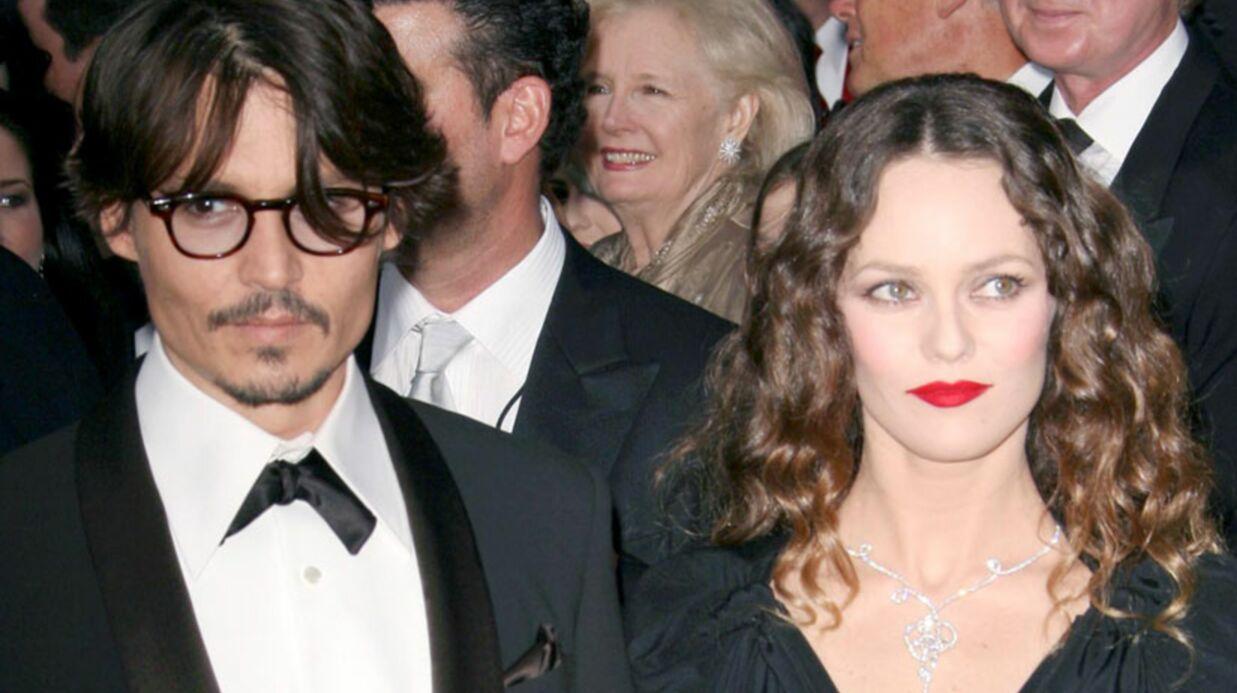 Johnny Depp dément être séparé de Vanessa Paradis