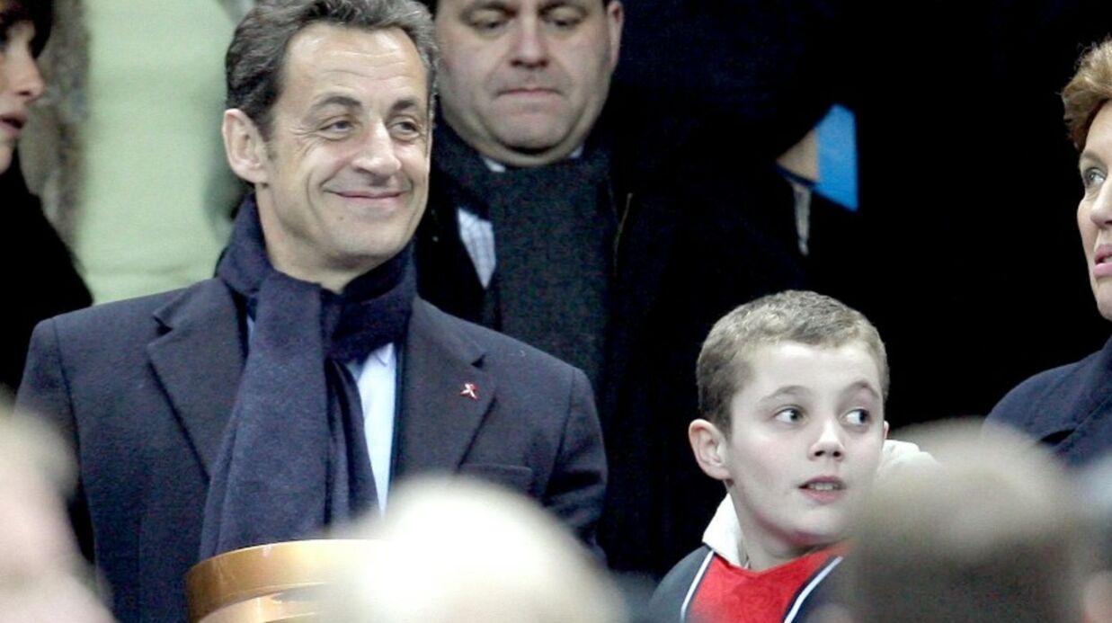Louis Sarkozy lance billes et tomate sur une policière