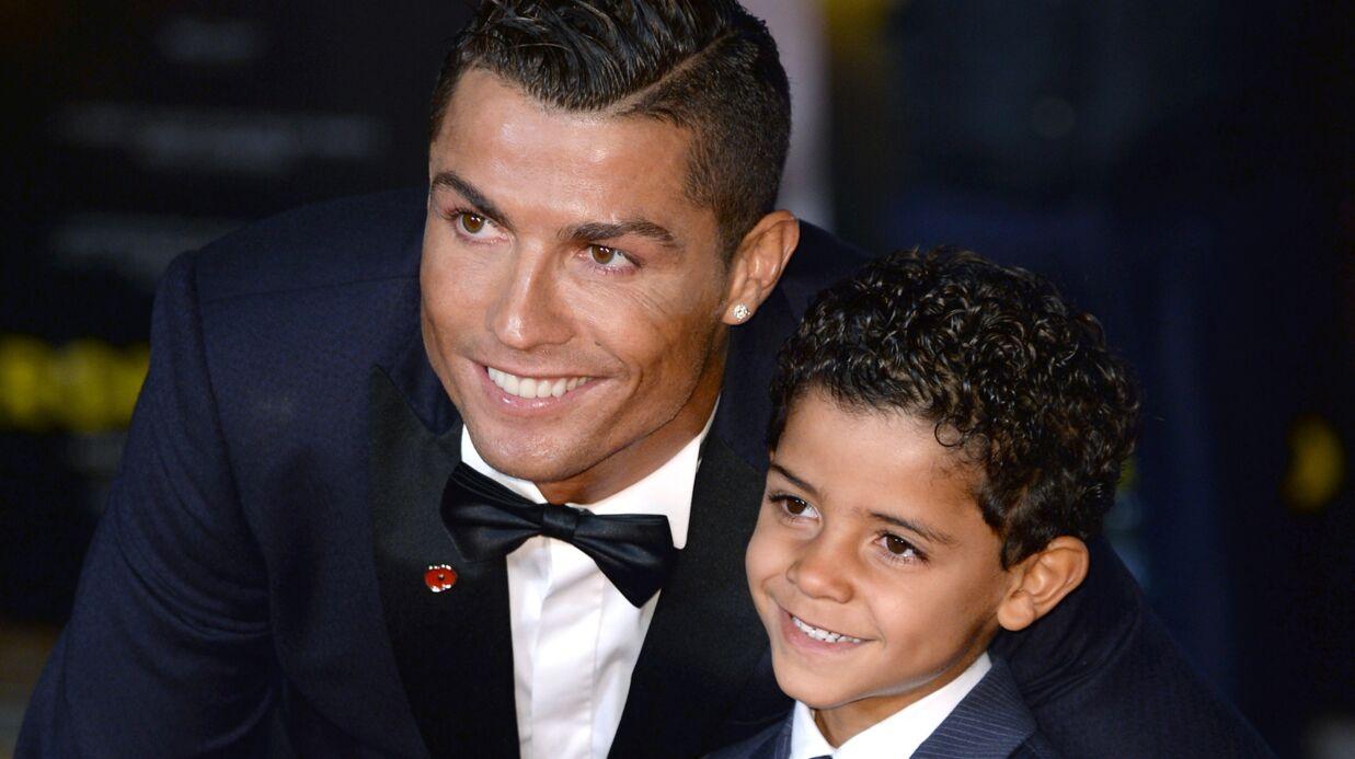 PHOTOS Cristiano Ronaldo: un tendre moment avec son fils de 5 ans pour la première de son film