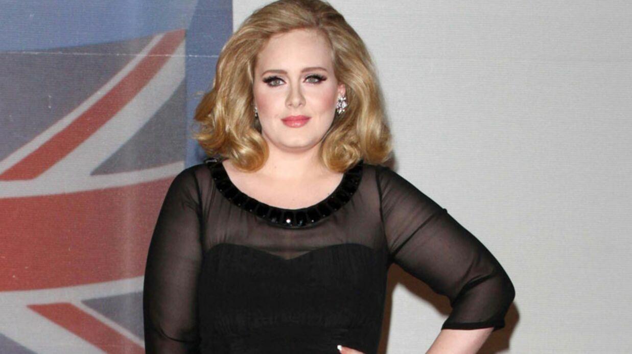 Adele encourt une amende pour ne pas avoir déclaré la naissance de son bébé