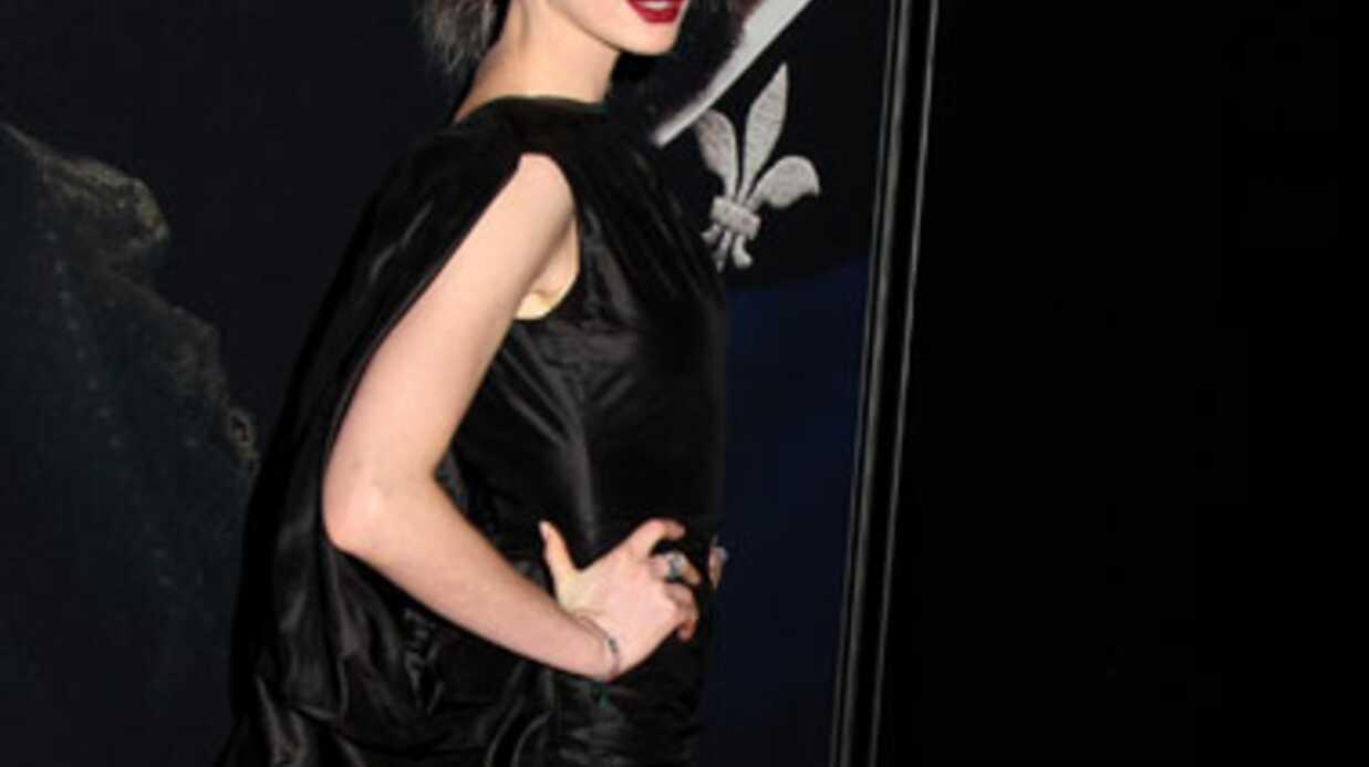 Anne Hathaway «dévastée» qu'on l'ait photographiée sans culotte
