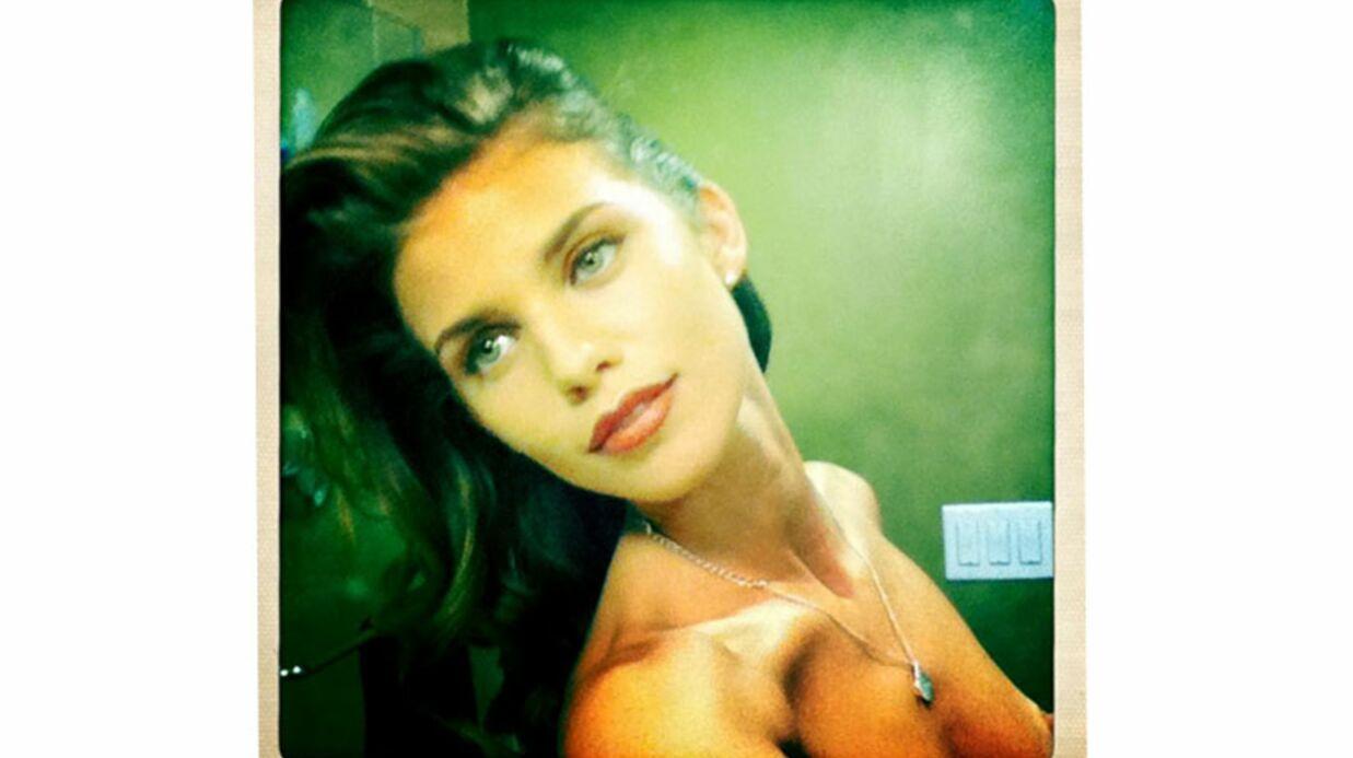 PHOTO AnnaLynne McCord topless sur Twitter par erreur