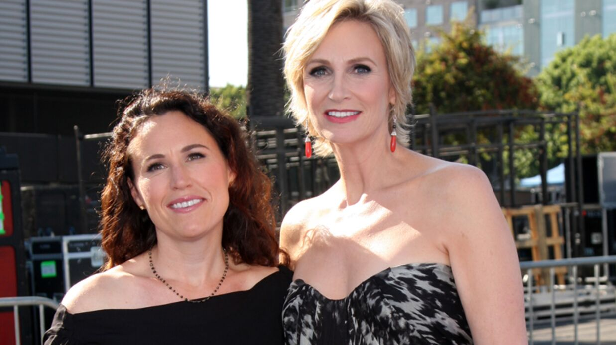 Jane Lynch (la prof de Glee) divorce de sa femme
