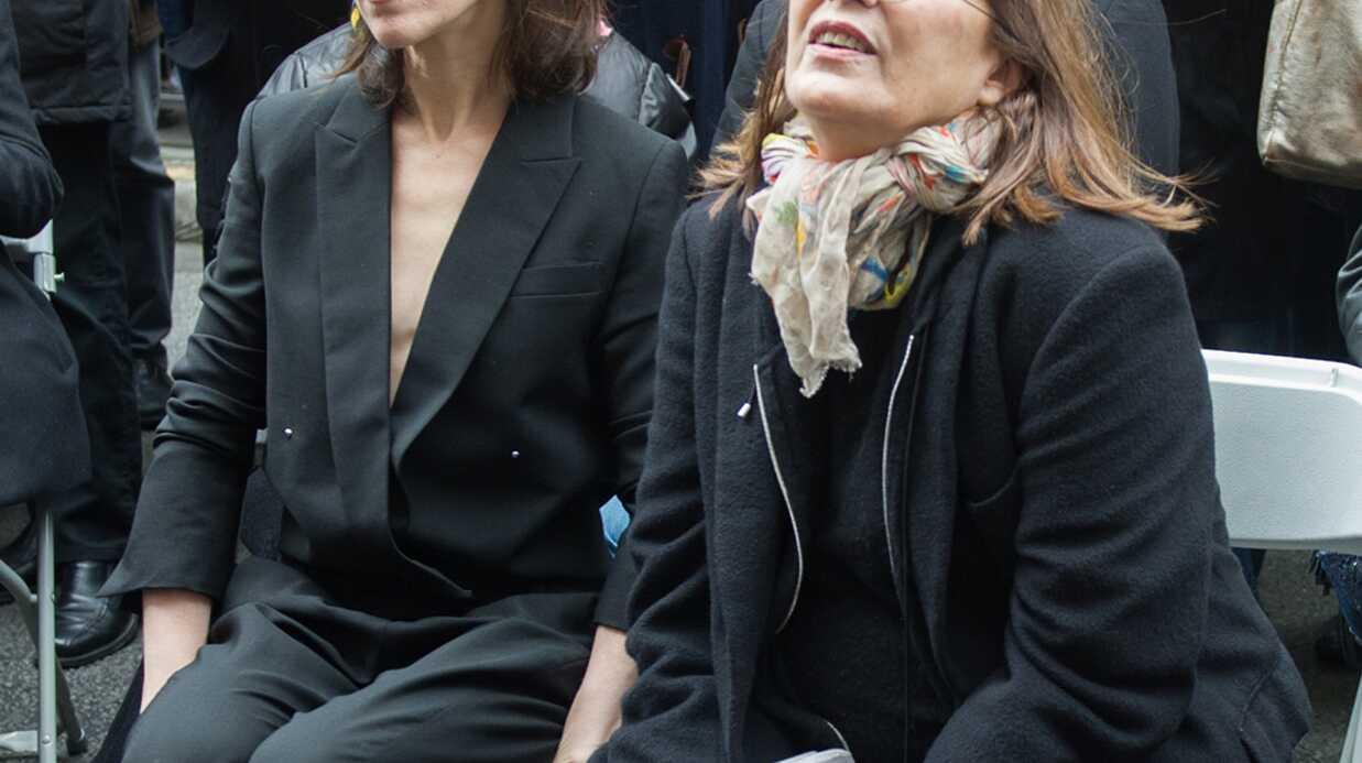 PHOTOS Jane Birkin et Charlotte Gainsbourg réunies pour un hommage à Serge Gainsbourg
