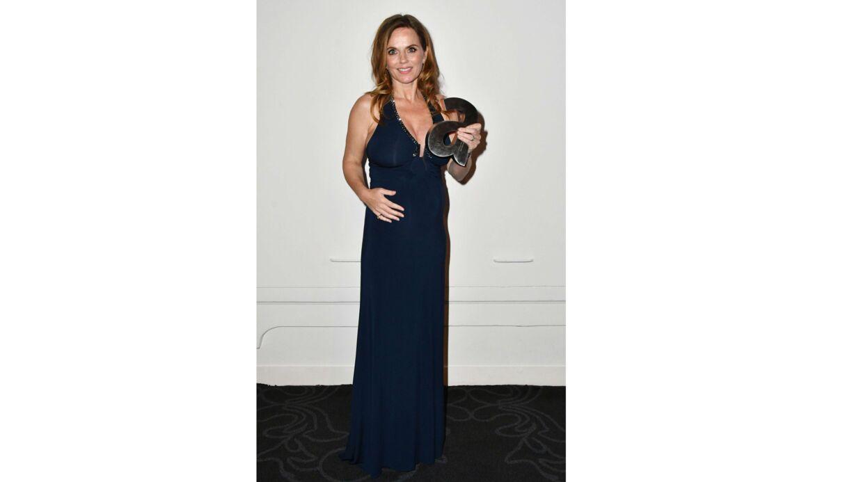 PHOTOS Radieuse, Geri Halliwell s'affiche en soirée avec un baby bump bien avancé
