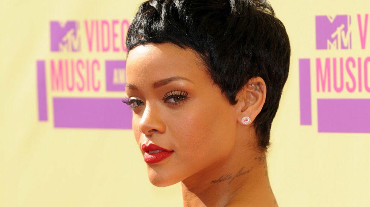 PHOTOS Chris Brown s'est-il tatoué le visage de Rihanna sur le cou?