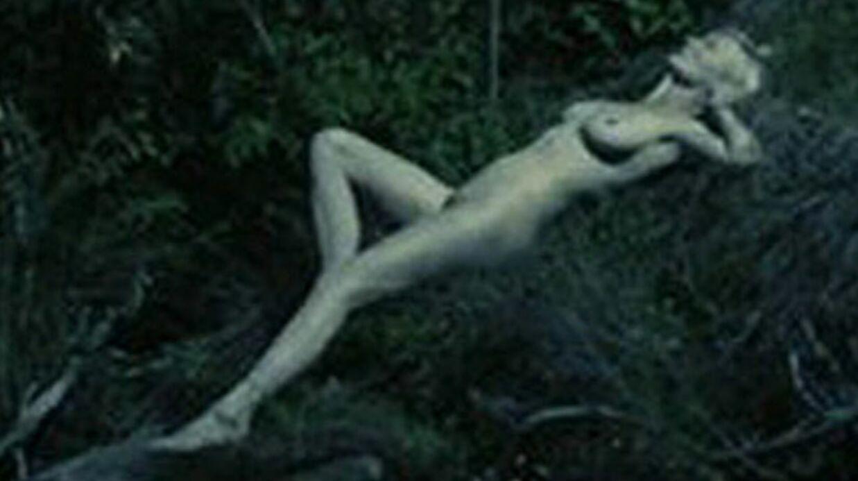 Kirsten Dunst assume sa paire de seins