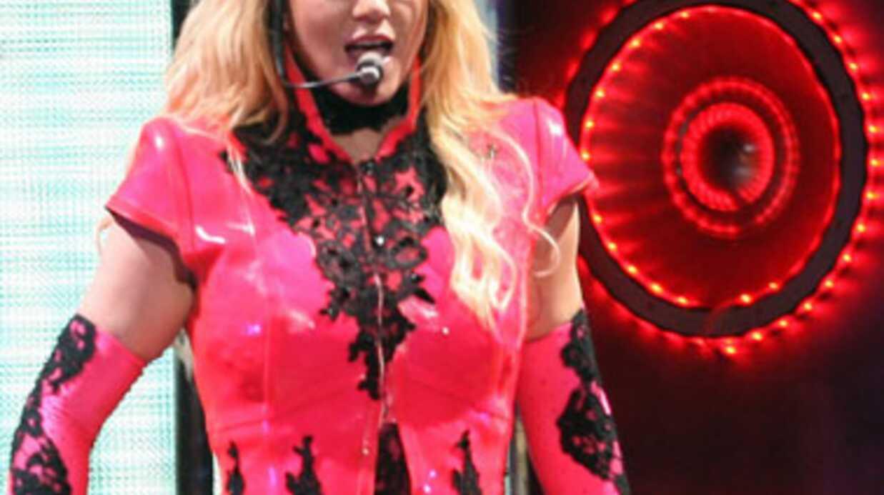 VIDEO Britney Spears fait danser ses fils sur scène