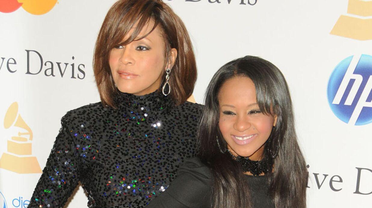 Whitney Houston a-t-elle vécu une love story avec son assistante?