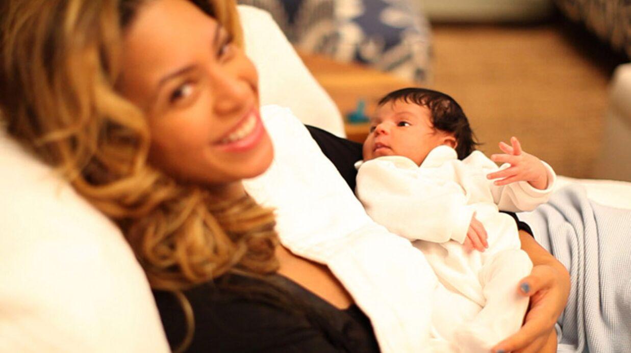PHOTO Beyoncé: les premiers pas de Blue Ivy sur la plage