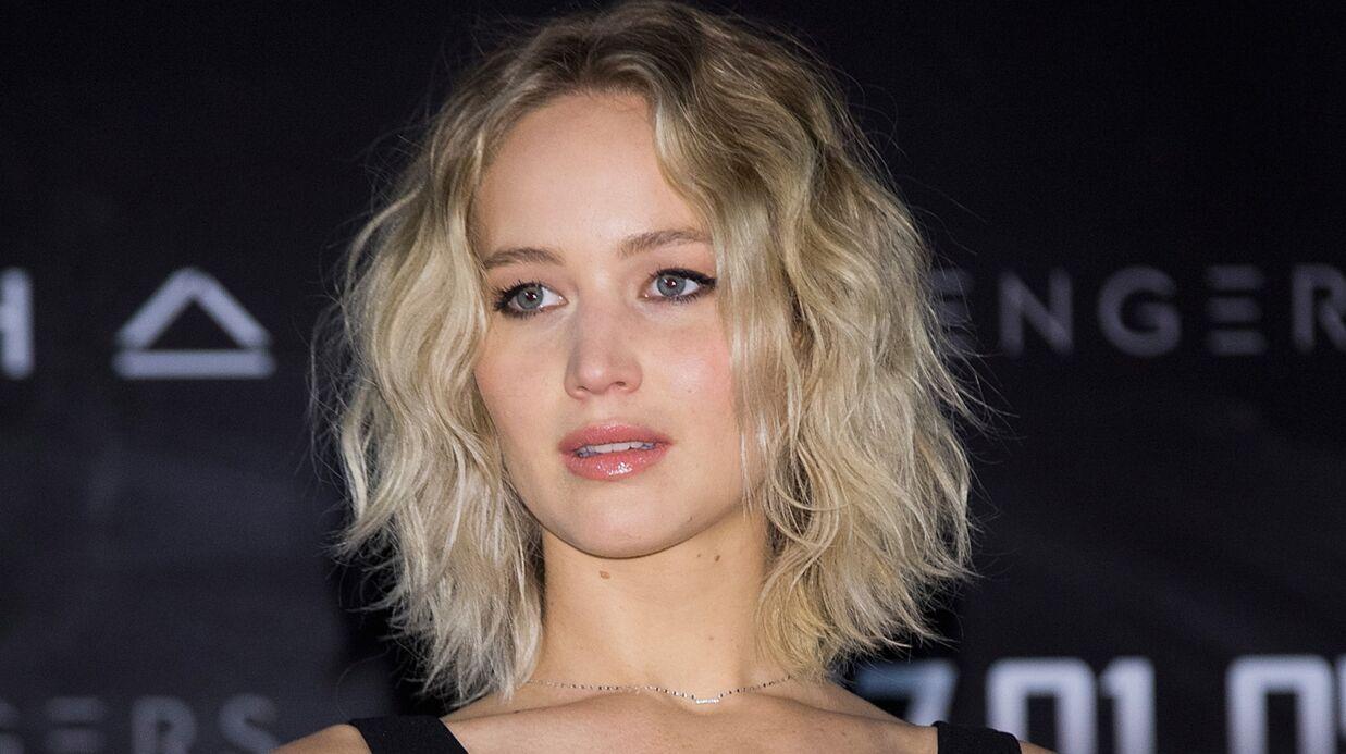Grosse frayeur pour Jennifer Lawrence, les moteurs de son avion lâchent en plein vol