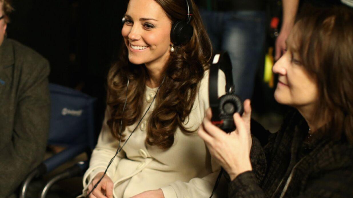 PHOTOS Kate Middleton surexcitée par sa rencontre avec les acteurs de Downton Abbey