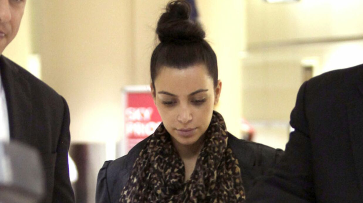 Kim Kardashian prend des cours de yoga naturiste