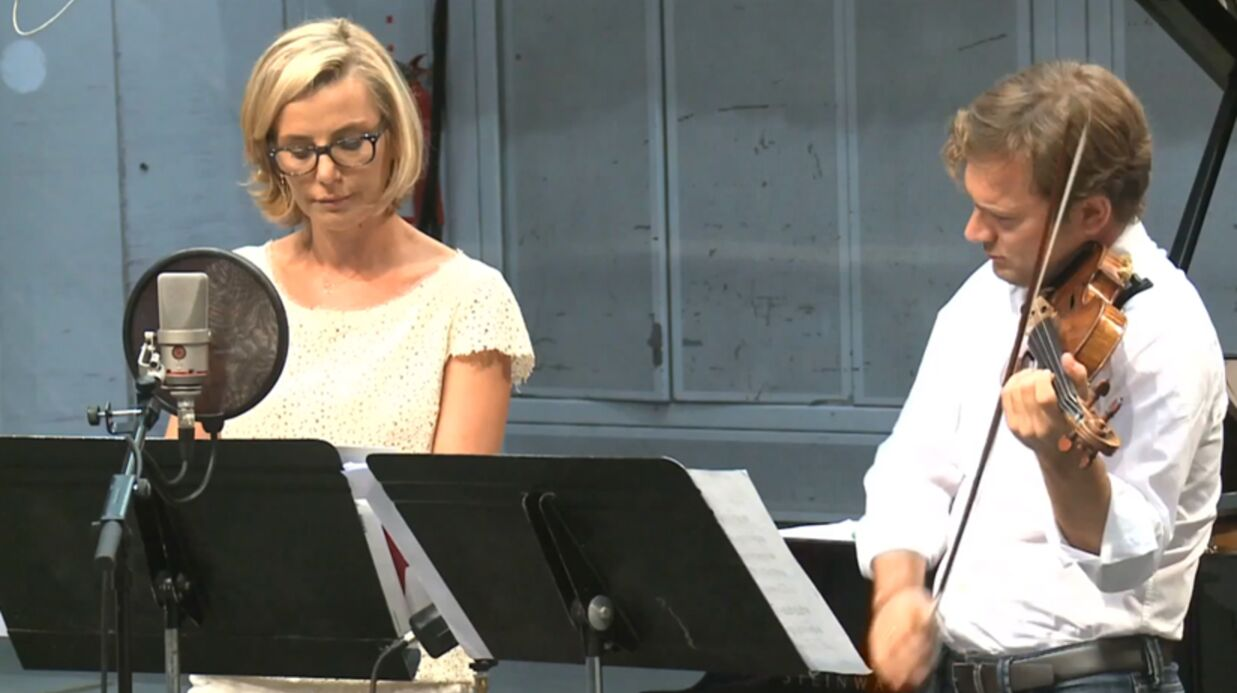 VIDEO Laurence Ferrari sort un disque avec son mari et… Babar