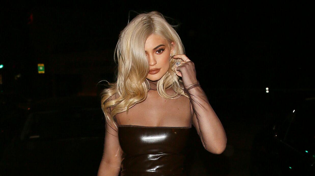 PHOTOS Kylie Jenner pose seins nus pour le magazine Complex