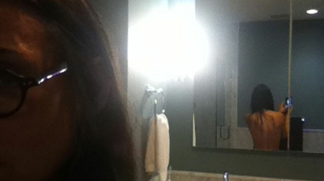Demi Moore pose topless sur internet