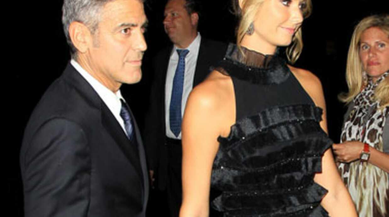 George Clooney s'affiche officiellement avec Stacy Keibler