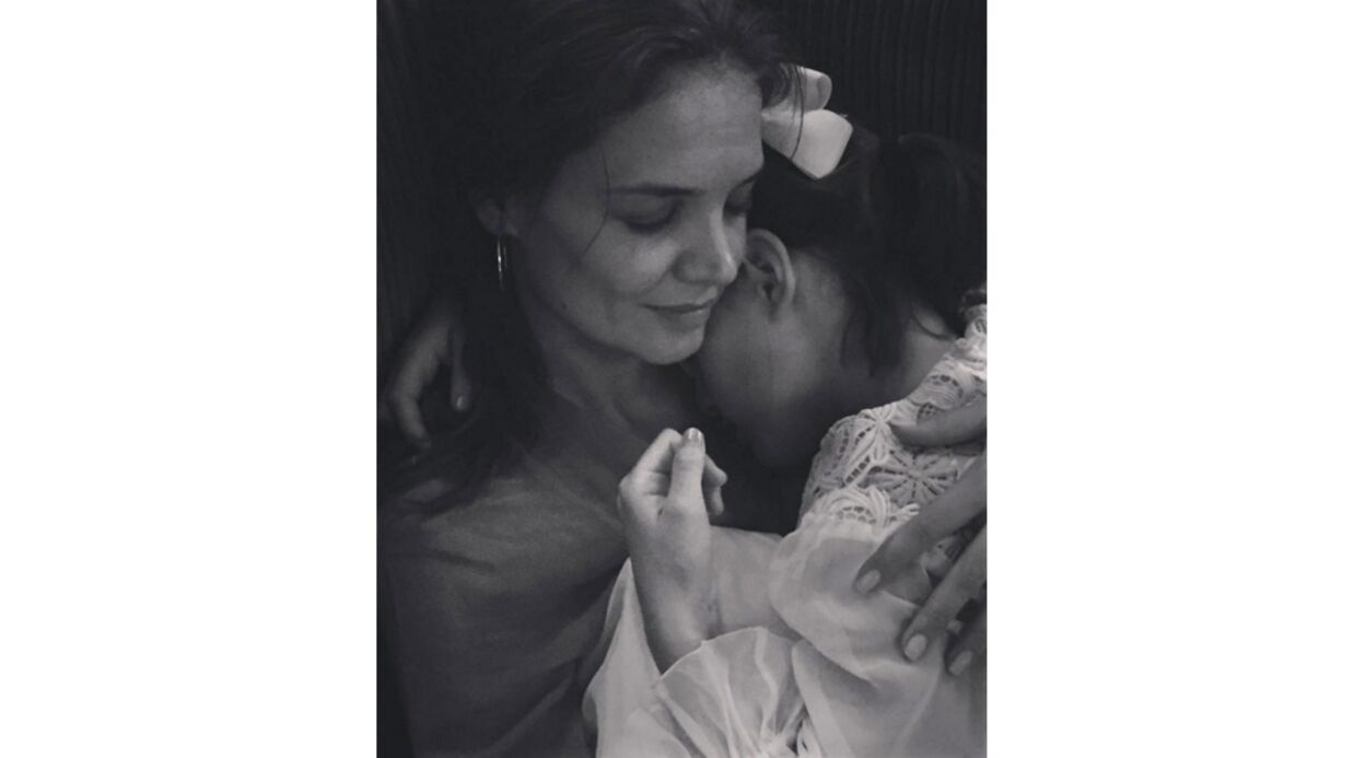 PHOTOS L'adorable pause tendresse de Katie Holmes et sa fille Suri Cruise