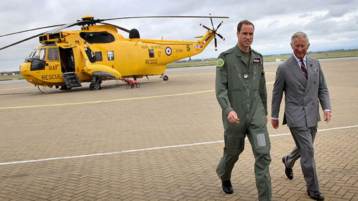 Bébé royal : le prince William vient de quit­ter sa base aérienne