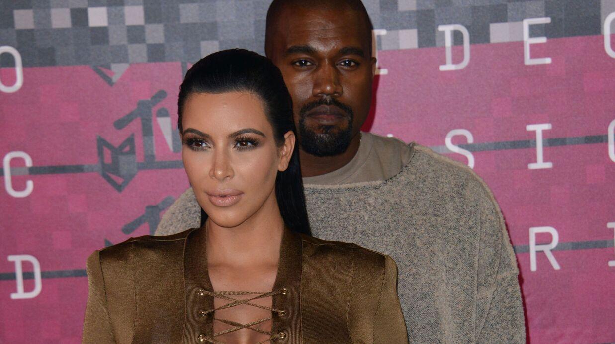 Kim Kardashian offre une paire de Yeezy appartenant à Kanye West à un fan