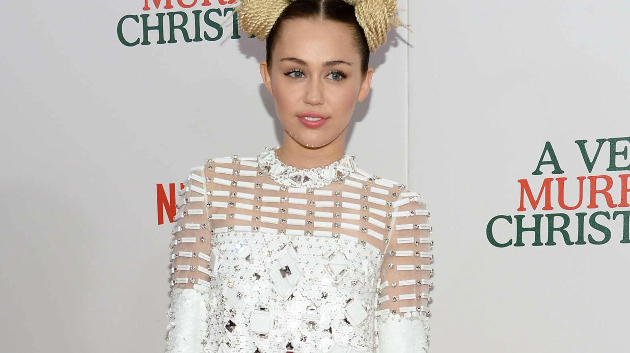 Miley Cyrus dévoile les SMS échangés avec son père après la tuerie d'Orlando