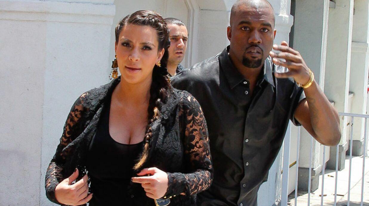 Kanye West se cogne violemment la tête contre un panneau