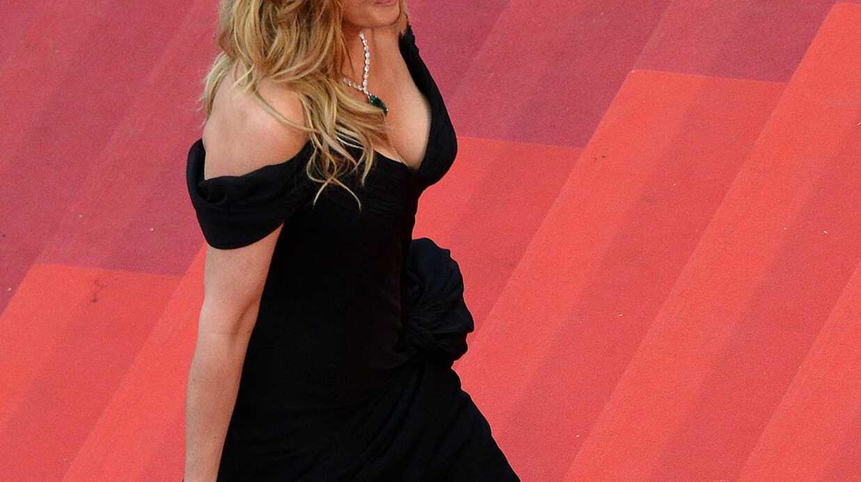 PHOTOS Cannes 2016: Julia Roberts a monté les marches en robe haute couture et pieds nus!