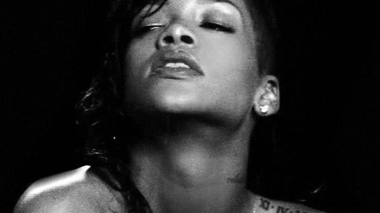 Rihanna pose entièrement nue en une de GQ
