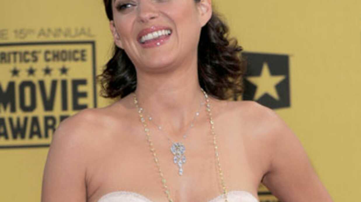 Des photos de Marion Cotillard seins nus sur le net