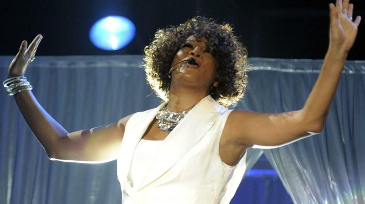 Whitney Houston provoque un incident dans un avion