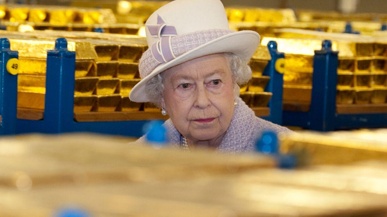 DIAPO Elizabeth II en balade au milieu de milliers de lingots d'or