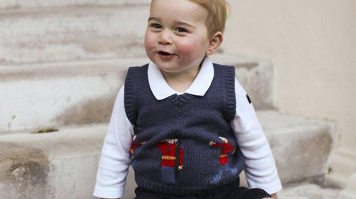 PHOTOS Le prince George prend la pose à Kensington Palace