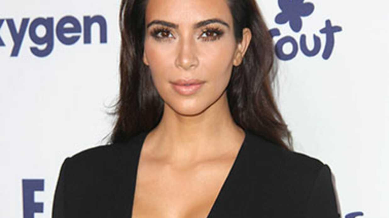 PHOTO: Kim Kardashian dévoile sa poitrine généreuse dans un top transparent