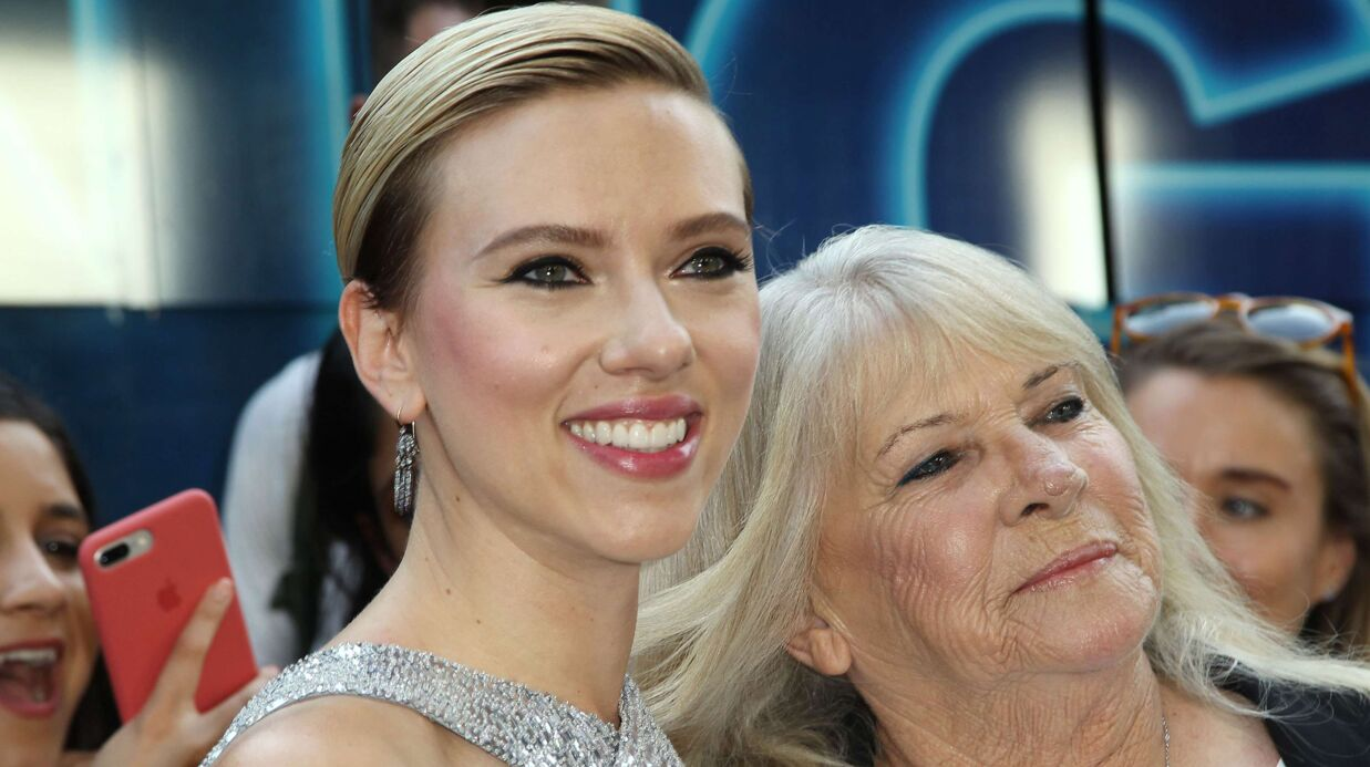 PHOTOS Scarlett Johansson a tenu parole: elle a invité Mamie Geraldine, son sosie de 72 ans