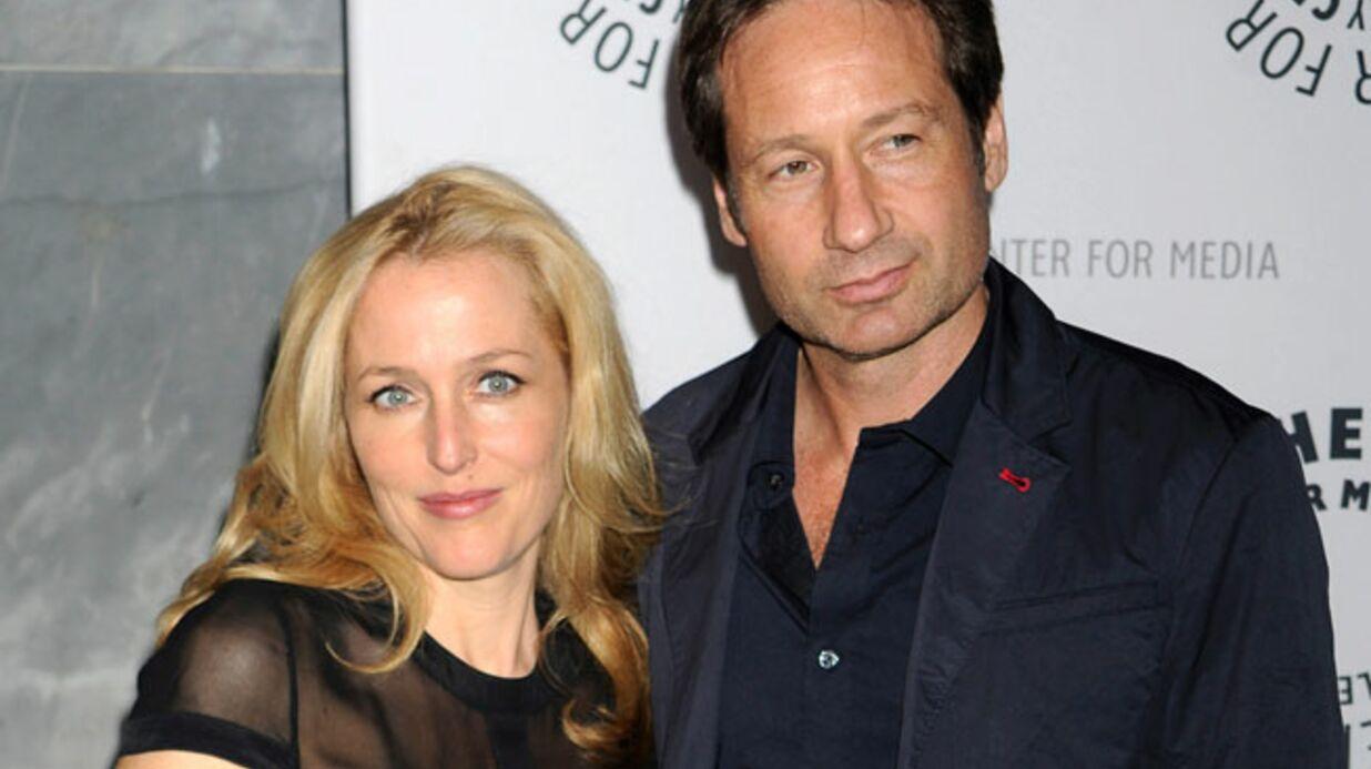 David Duchovny et Gillian Anderson aident un fan de X-files à faire sa demande en mariage