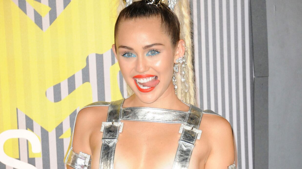Miley Cyrus veut donner un show où elle chantera nue, devant un public tout nu aussi!