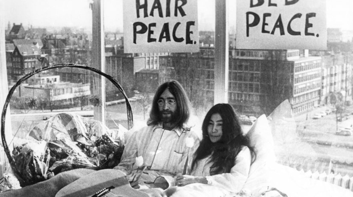 John Lennon: Yoko Ono met en ligne leur film «Bed peace»