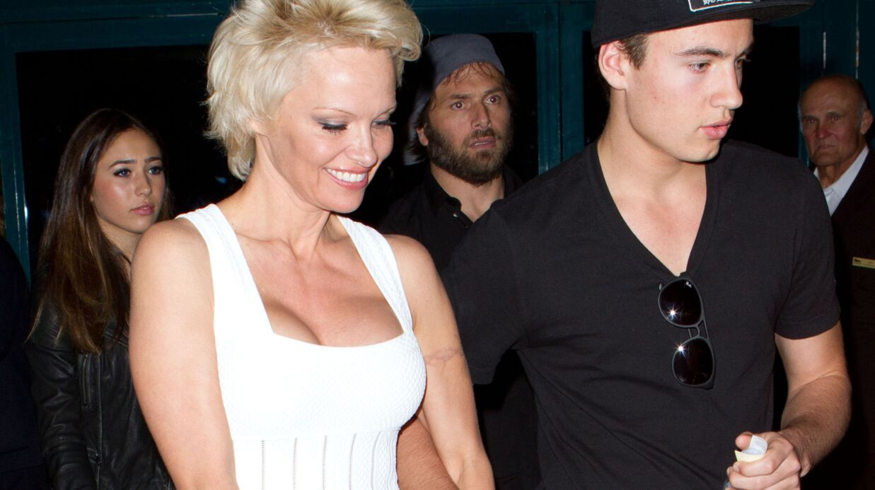 PHOTOS Plus sexy que jamais, Pamela Anderson défie le temps qui passe