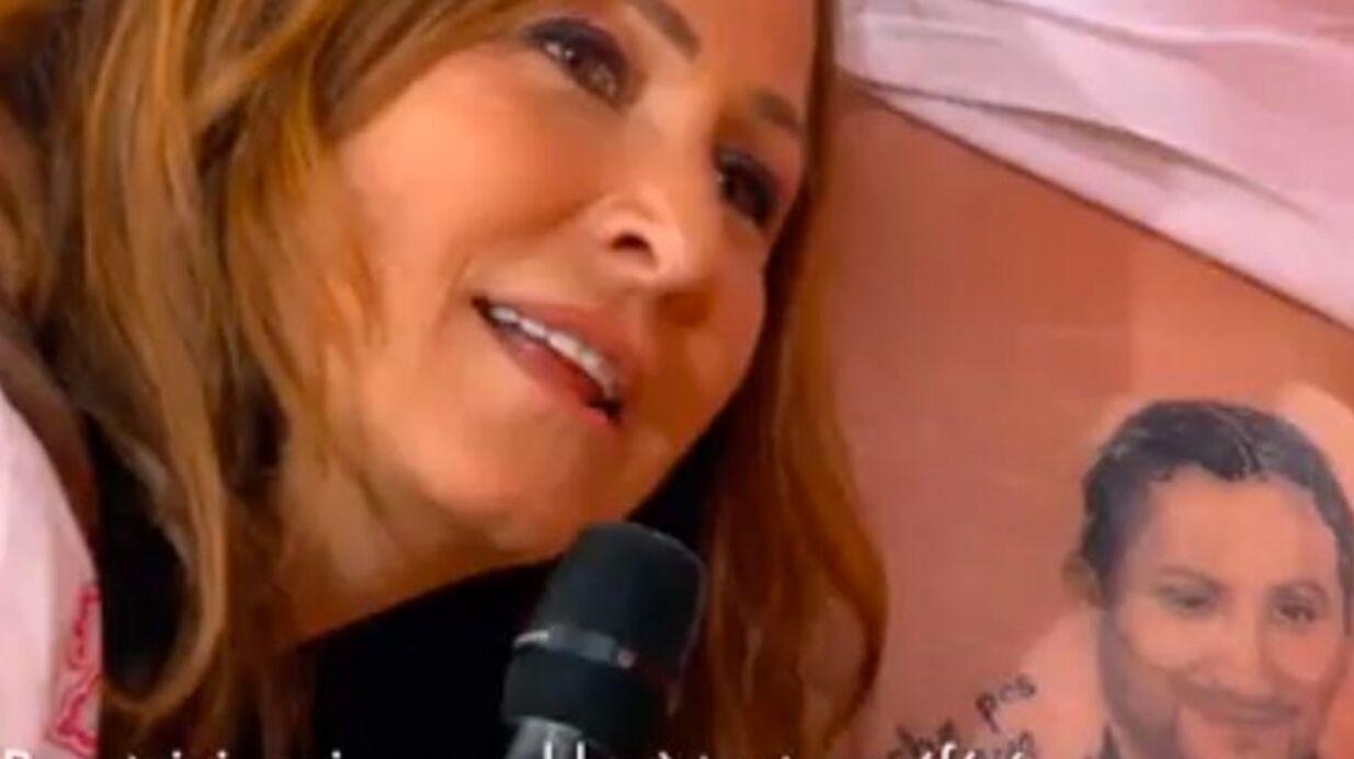 VIDEO Evelyne Thomas embrasse la fesse d'un invité qui s'est fait tatouer le visage de Cyril Hanouna