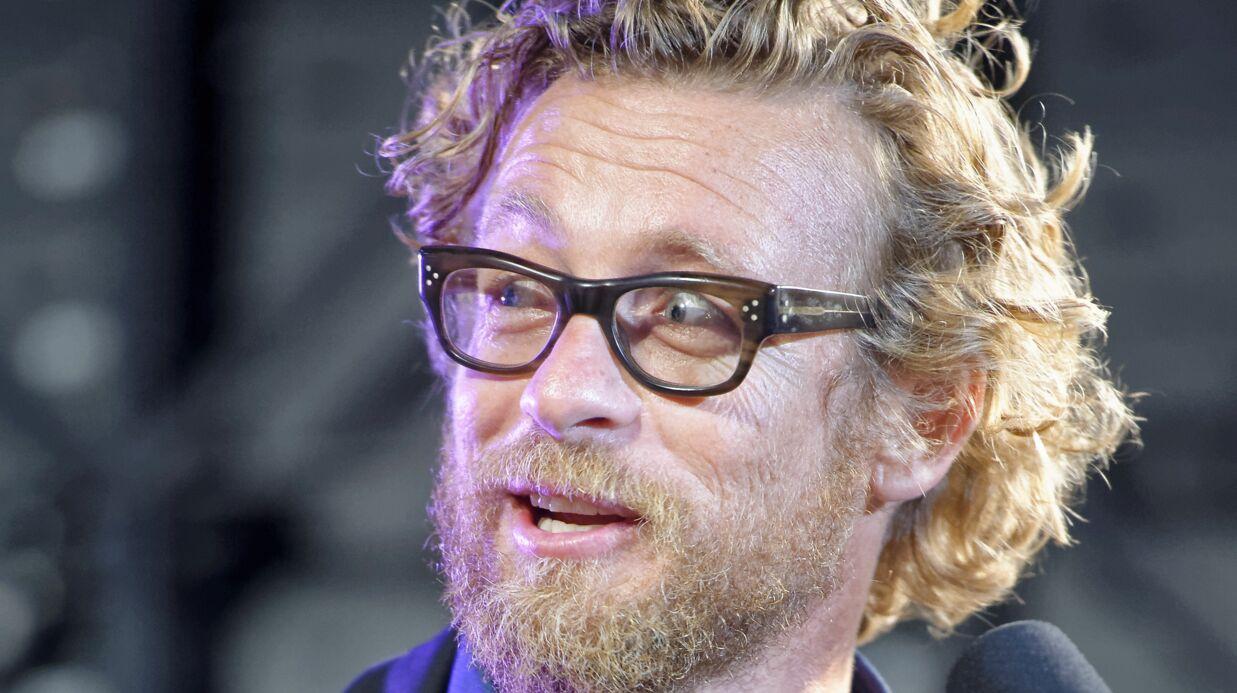 Simon Baker (Mentalist): Barbe et cheveux bouclés, il n'est plus le même
