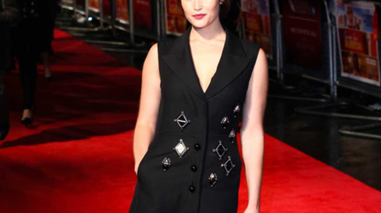 LOOK La robe manteau défile sur le tapis rouge