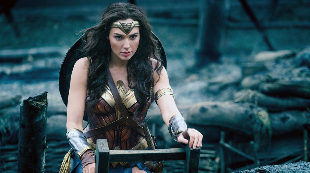 Un jeune Philippin se transforme en sosie de Wonder Woman, c'est très impressionnant!