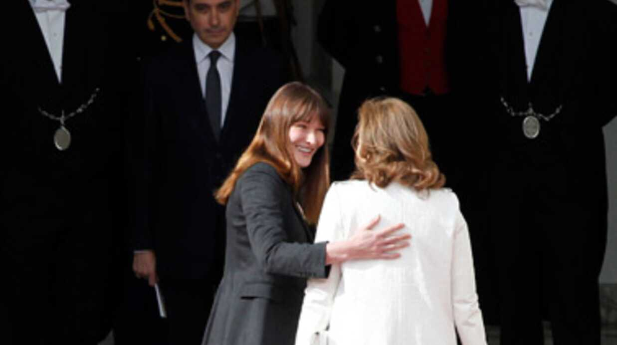 Carla Bruni critique sévèrement Valérie Trierweiler