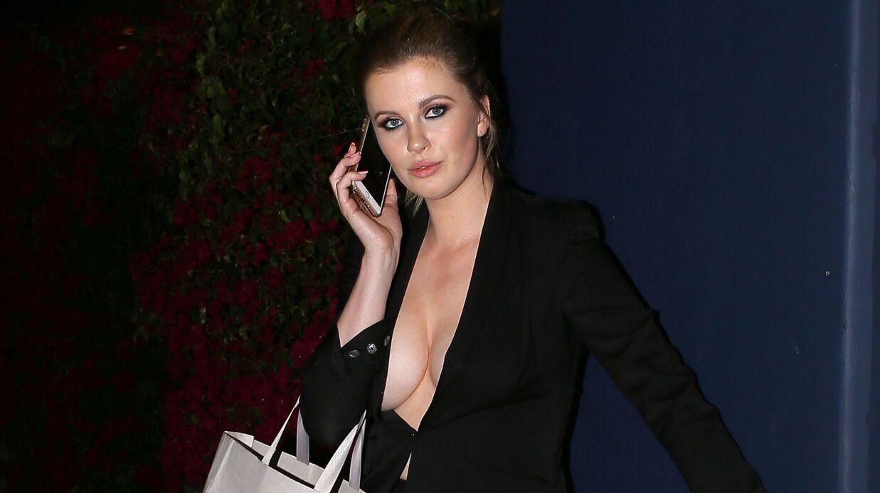 PHOTOS Ireland Baldwin: seins nus sous sa veste et très agitée, elle en montre trop